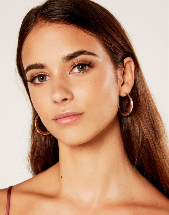 Crescent Hoop Earring via GLASSONS au | Minimal makeup ...