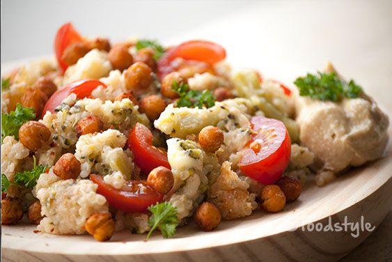 quinoa salade met kip, broccoli & geroosterde kikkererwten - FoodStyle