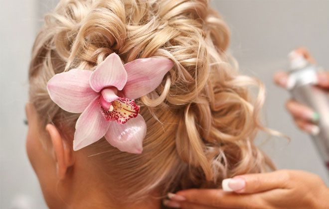 Colour Couture Salon in Cape Girardeau welcomes Wedding services to all bridal parties alike! Their brides also receive a trial session as well! Call today to receive a FREE consultation!
