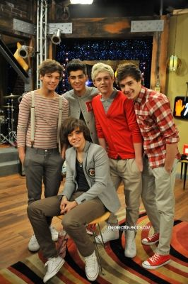 Wow One Direction In Icarly One Direction Pinterest One