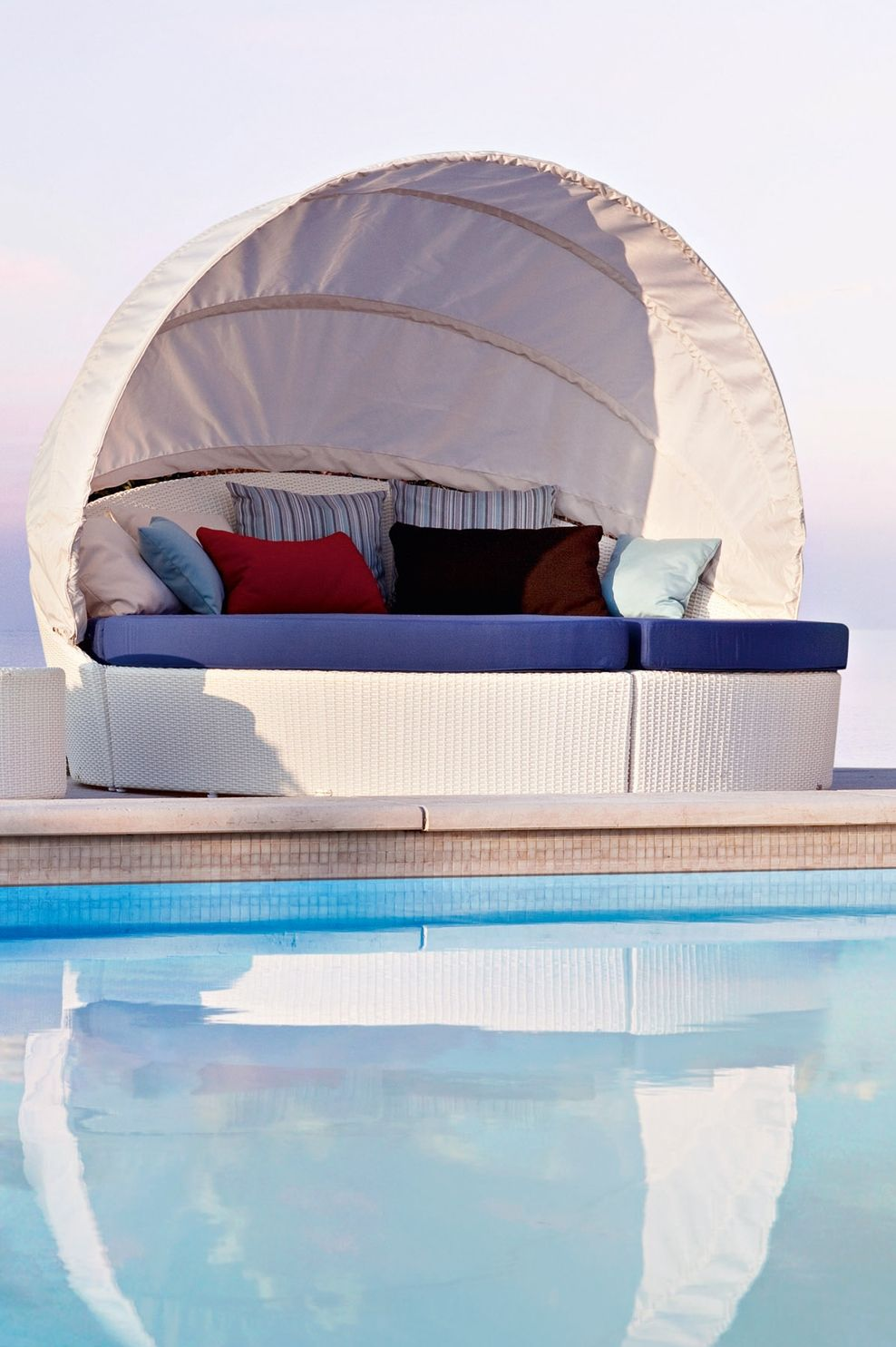 Designer Bettsofa arena varaschin designer bett sofa outdoor arena varaschin