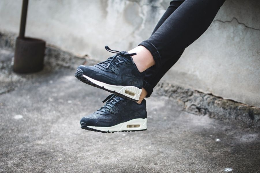 Nike - WMNS Air Max 90 Pinnacle (schwarz / weiß) - 839612-006