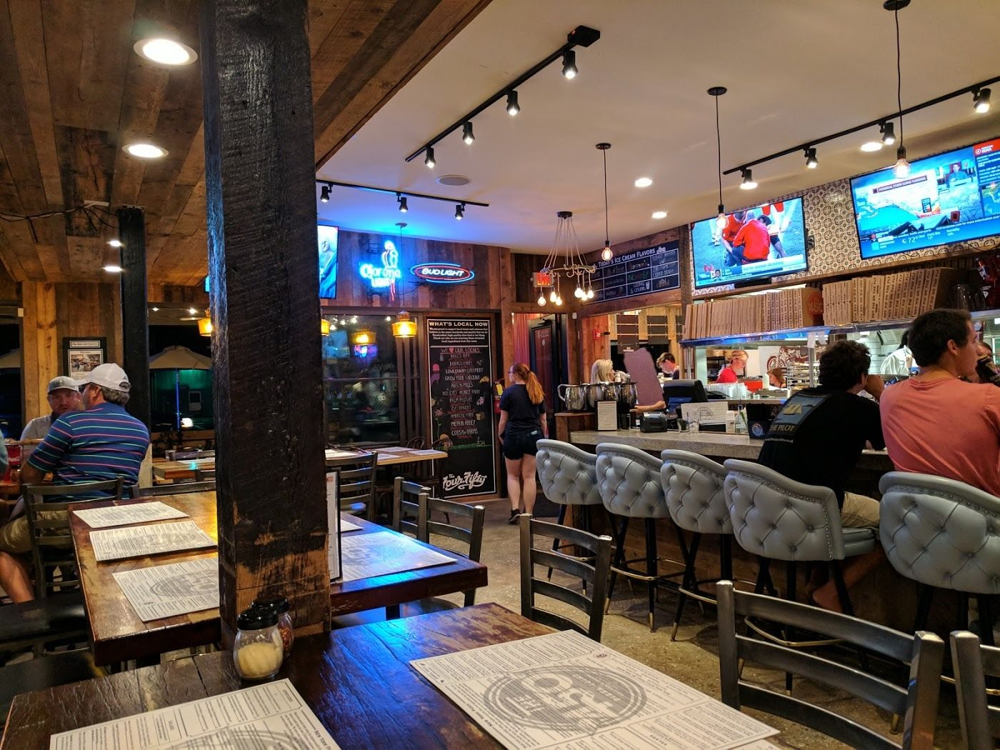 The 450 Pizza Joint Sullivans Island Restaurant Review Zagat
