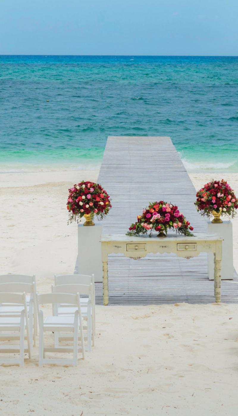 Beautiful Wedding Setting At The Beach In Cancun Weddings Mexico Riu Aisle
