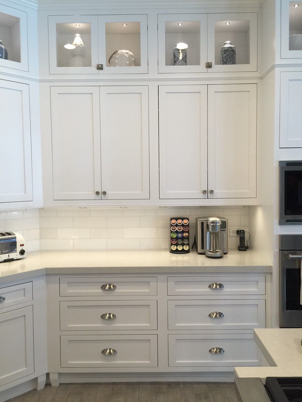 Carolyn Burrell Of Today S Builders Took A Small Kitchen In Sarasota Florida And Turned White Kitchen Remodeling Kitchen Cabinet Door Styles Kitchen Remodel