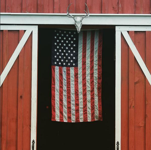 Flag In A Red Barn Via Qdma American Flag Wallpaper American Flag Wallpaper Iphone Farm Style House