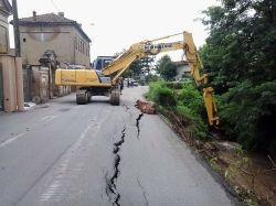Maltempo, a Zeme sprofonda una strada - Cronaca - La Provincia Pavese