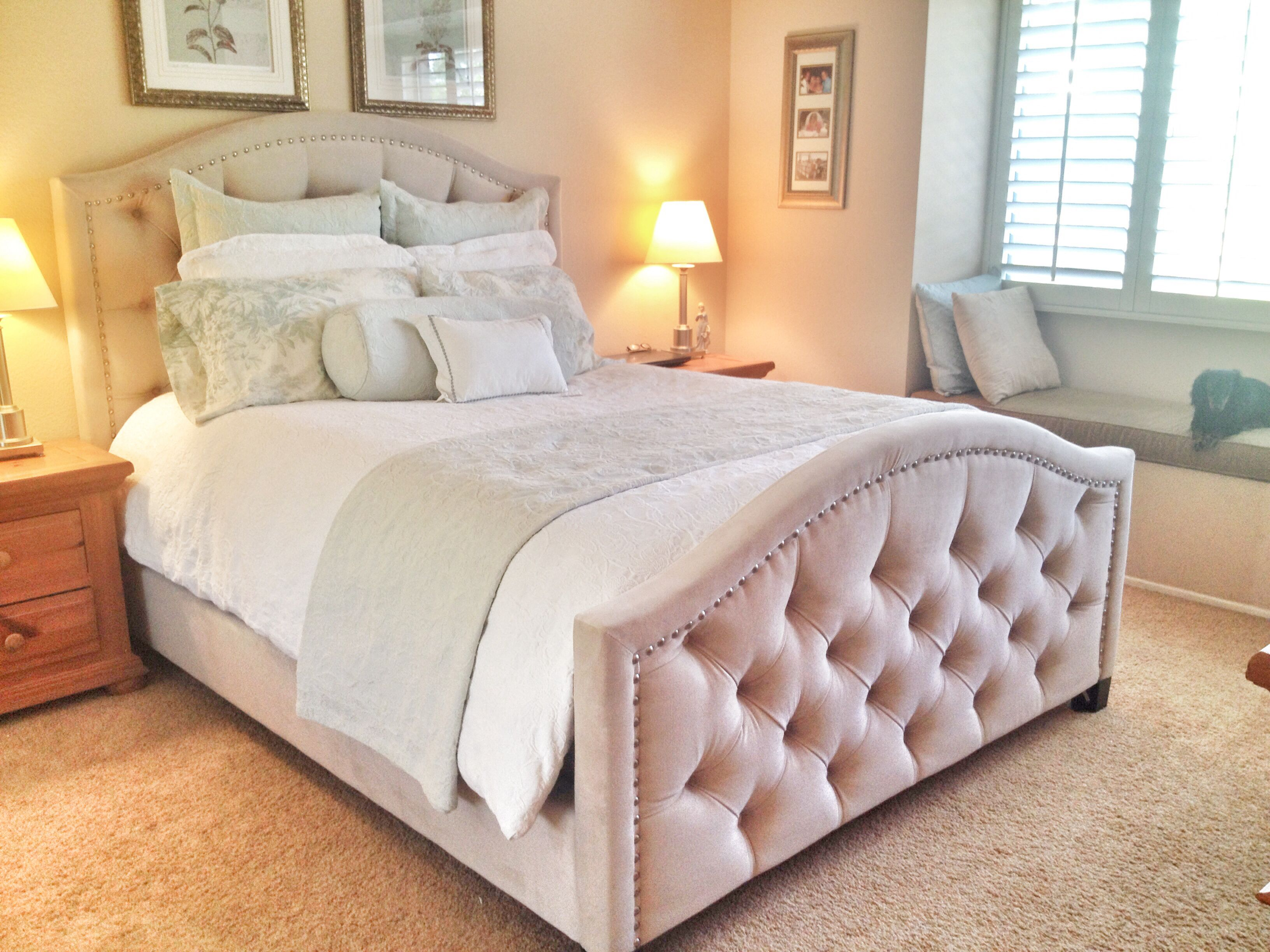 Zgallerie Tufted Nicolette Bed In Pearl Heavenly