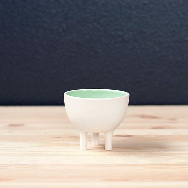A fresh new photo of our Small Tripot, shown in Mint glaze.