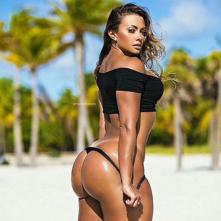 Клубная красотка округлая грудь видео фото 405-67
