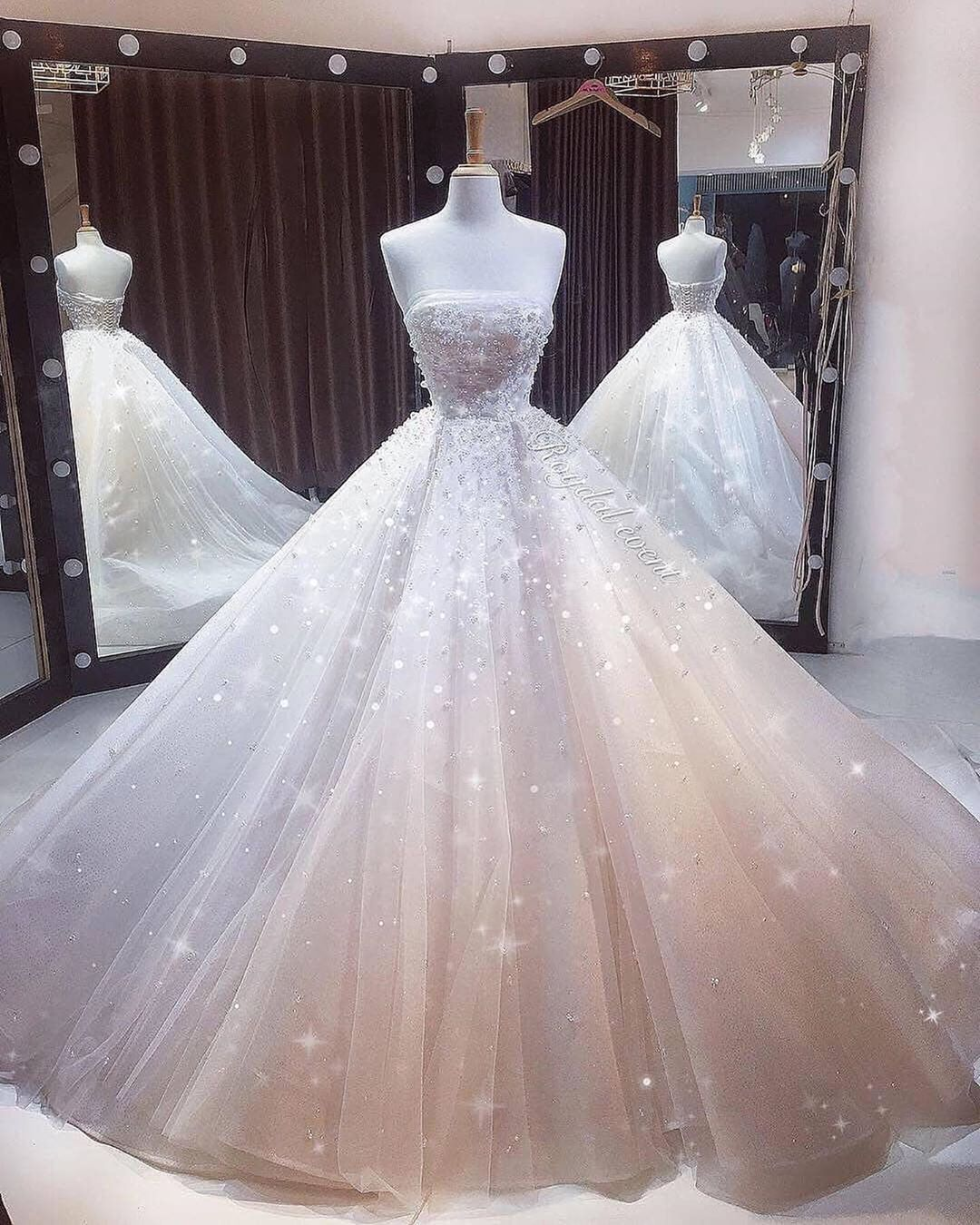 1 10 Best Inspiration Page For Dresses Dresses U P Credit Make In 2020 Disney Wedding Dresses Pretty Quinceanera Dresses Ball Gowns Wedding