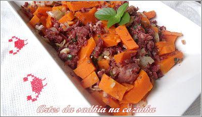 Artes da Sadhia na cozinha : Salada de abóbora com carne Seca Paineira /Salada de jerimum com Carne seca Paineira .