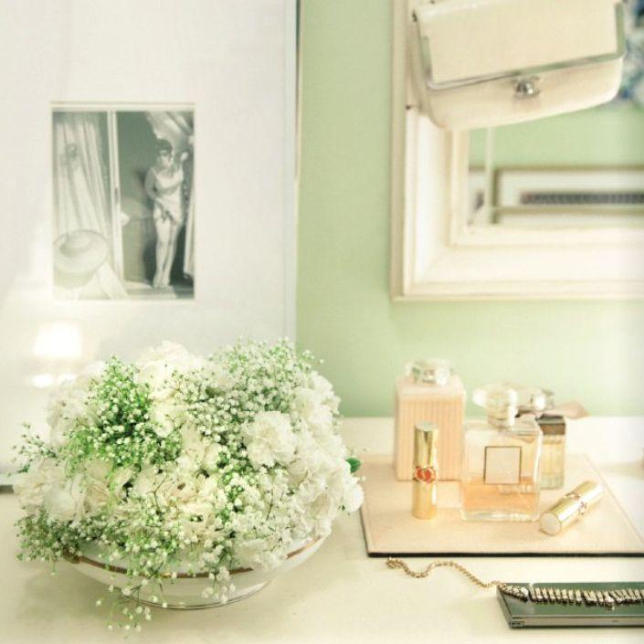 beautiful green wall color