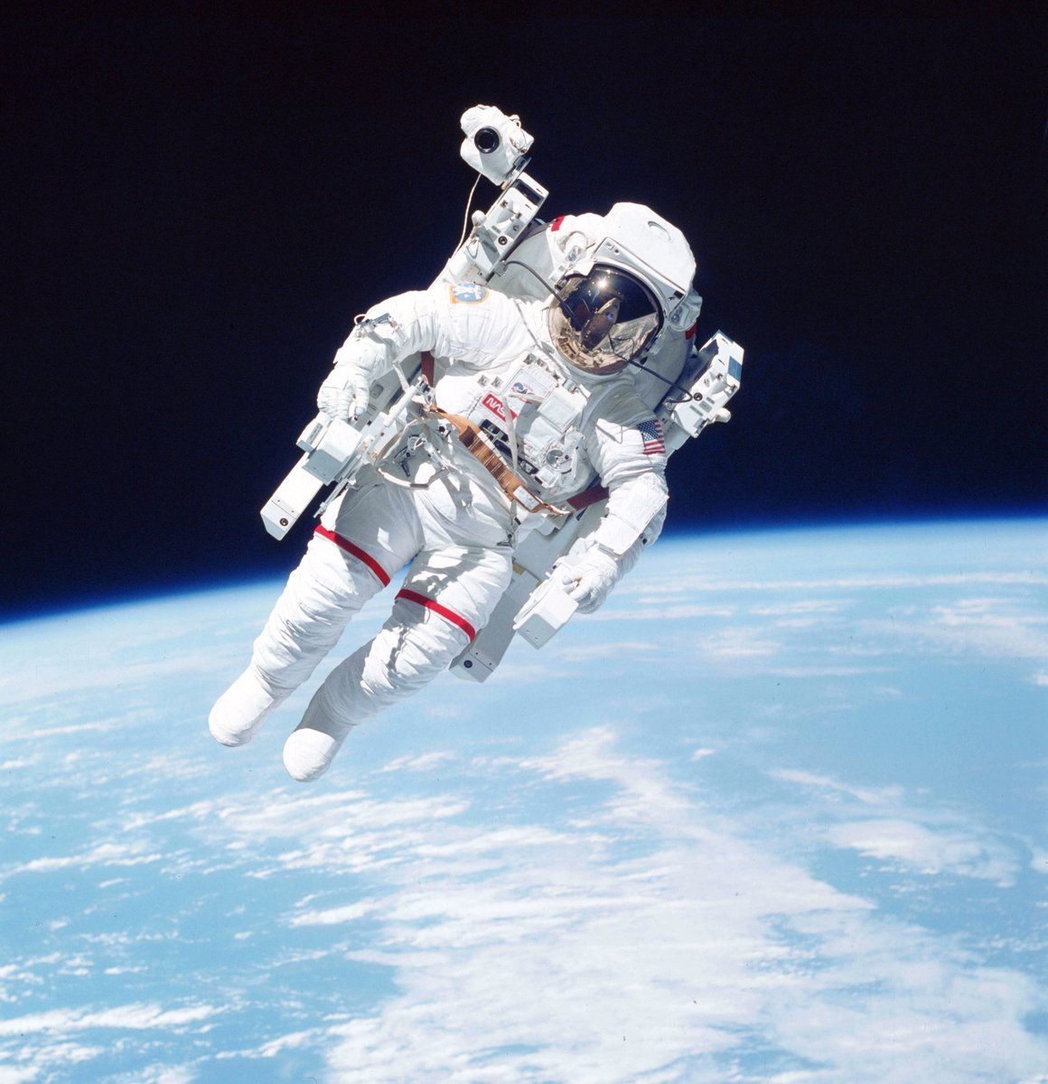 astronaut untethered space walk - photo #4