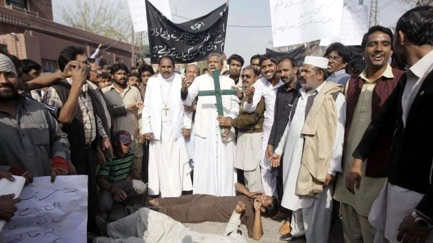 Pakistani Christian gets death in blasphemy case - MSN NEWS #Pakistan, #Christian