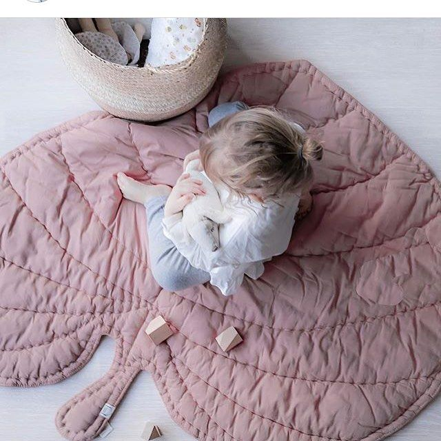 ich kann mich echt nicht entscheiden ob gr n oder rosa die. Black Bedroom Furniture Sets. Home Design Ideas