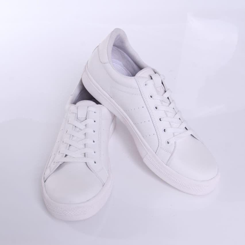 Zavran Hadir Untuk Jadi Pelengkap Para Gentlemen Agar Semakin Percaya Diridengan Mengusung Konsep Simpel Dan Elegan Desain Dari Zavran Wh Adidas Stan Smith Adidas Sneakers Sneakers