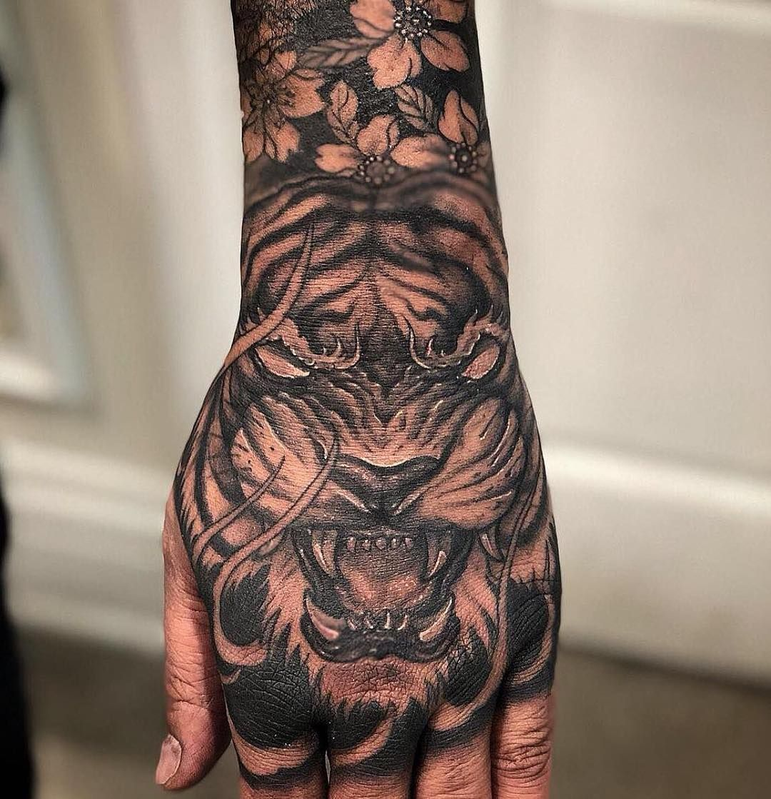 Tiger Hand Piece By Cj Done At Chronic Ink Tattoo Toronto Canada Hand Tattoos Ink Tattoo Tiger Forearm Tattoo