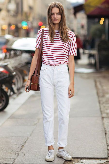880698ef8c Model Wearing Simple White Mom Jeans Outfit