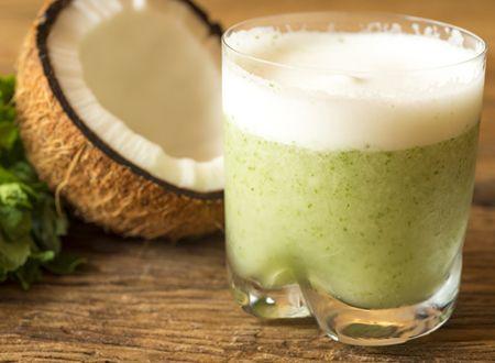 Suco De Agua De Coco Abacaxi Hortela E Gengibre Drinks