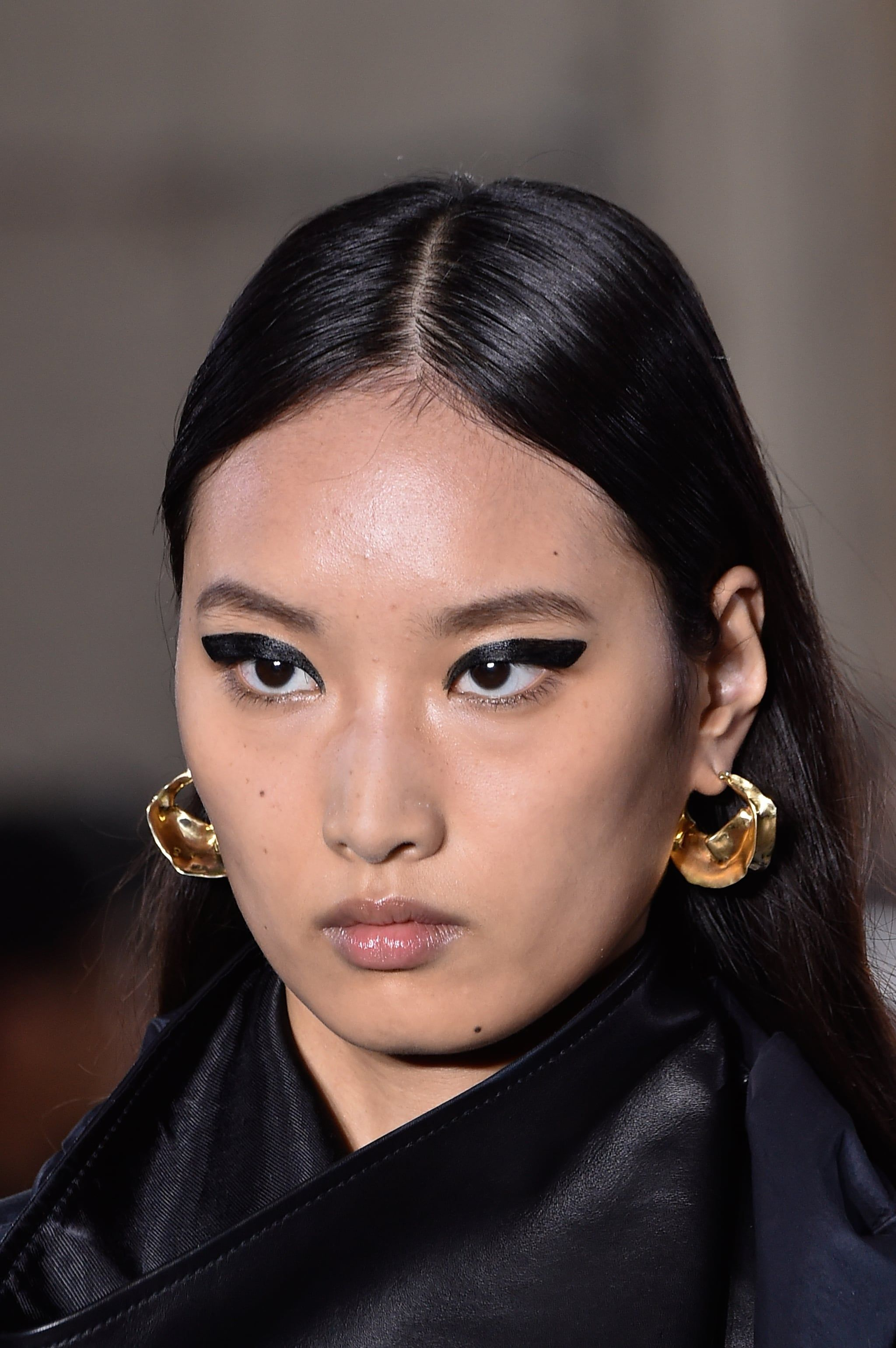 Spring Jewelry Trends 2020 Oversize Hoops Face