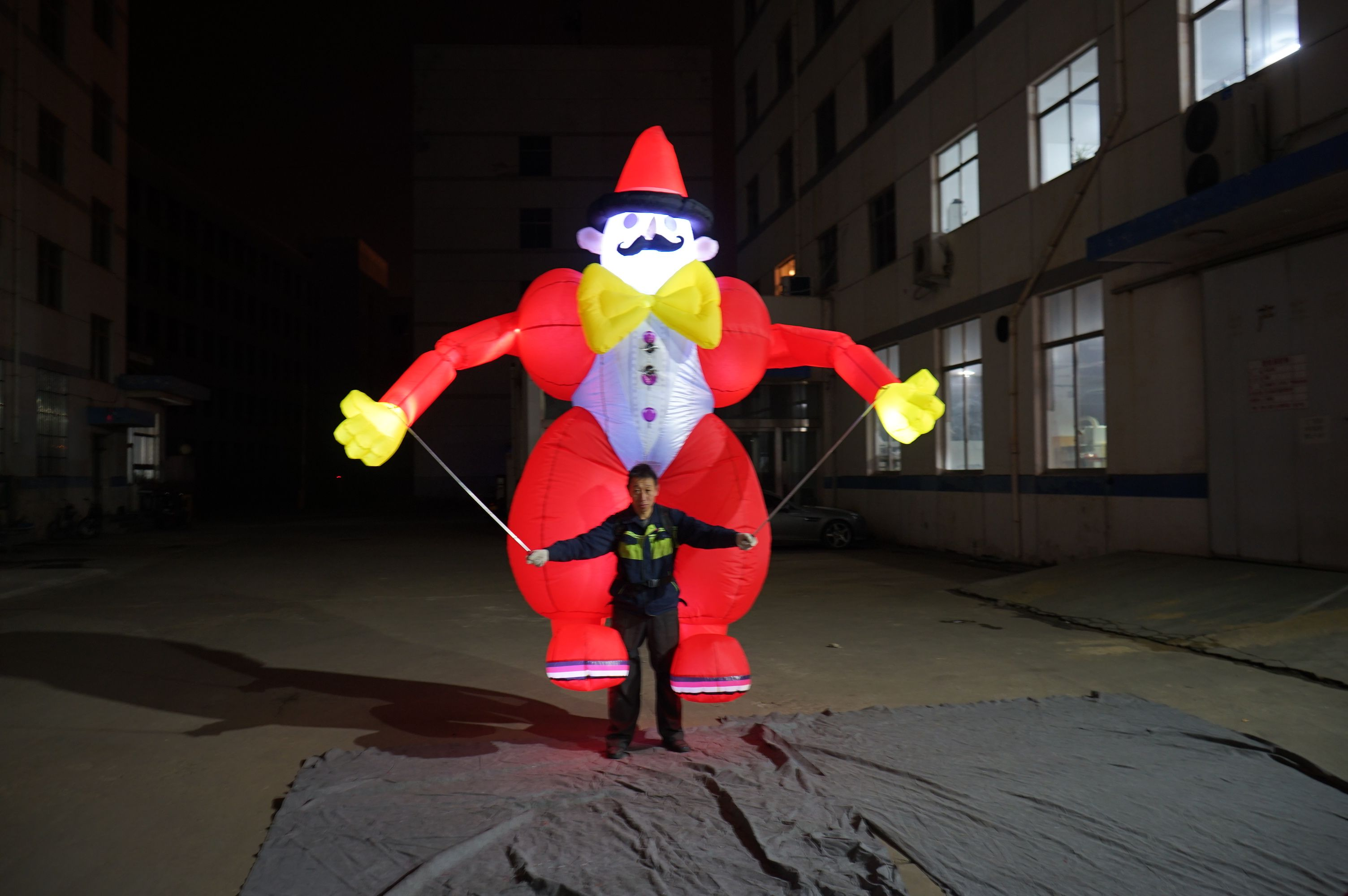 Inflatable Puppet artistic direction how to decorate
