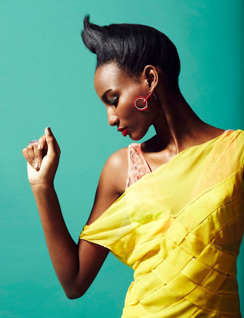 Diva – Robert Harper captures Shena Moulton in colorful fall-winter looks  for the latest