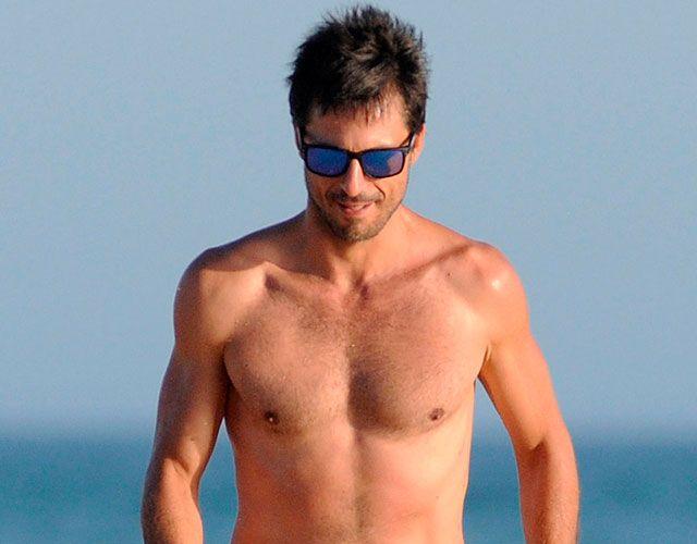 Hombre gay playa desnuda pic 27
