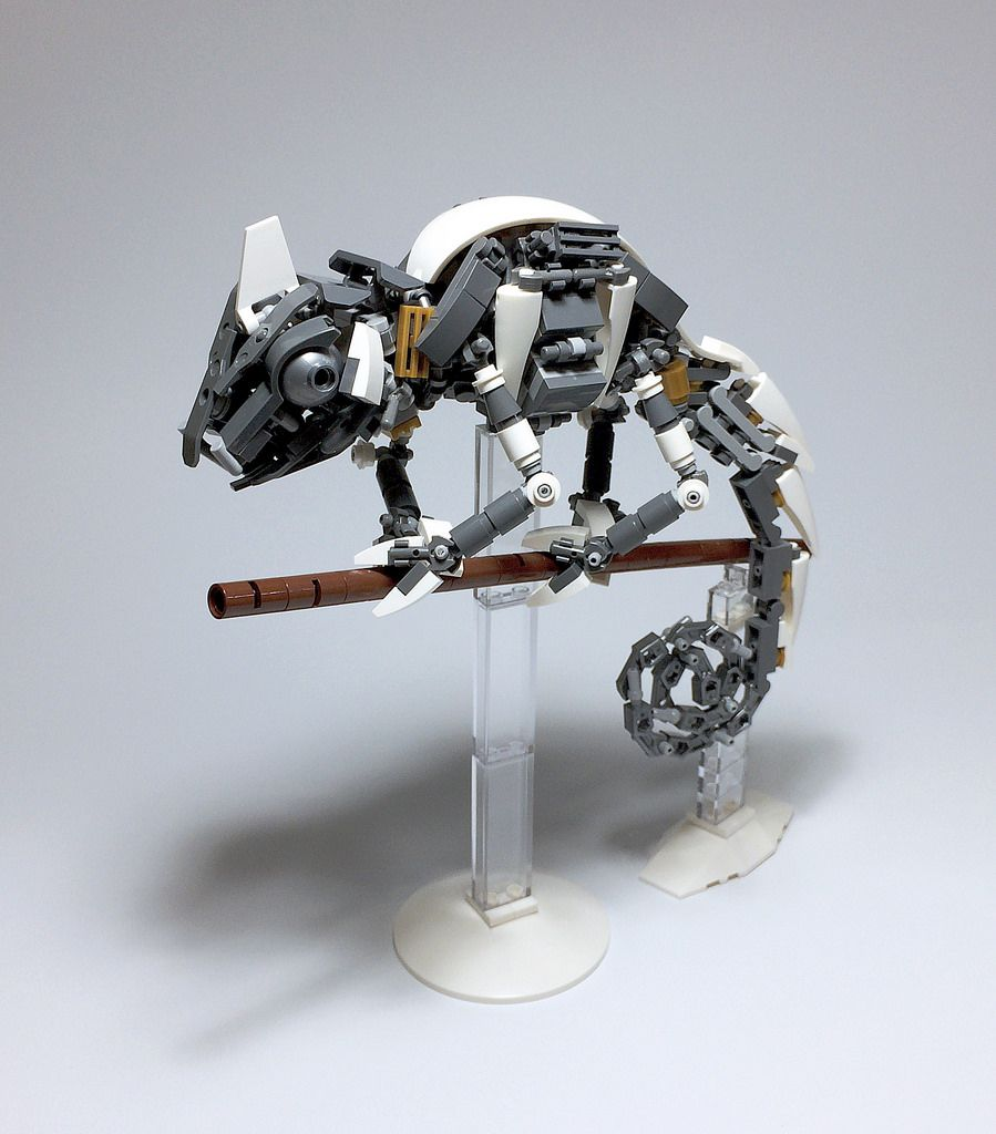 """Chameleon Robot: """"LEGO Mech Chameleon-01"""" By ToyForce 120: Pimped From"""