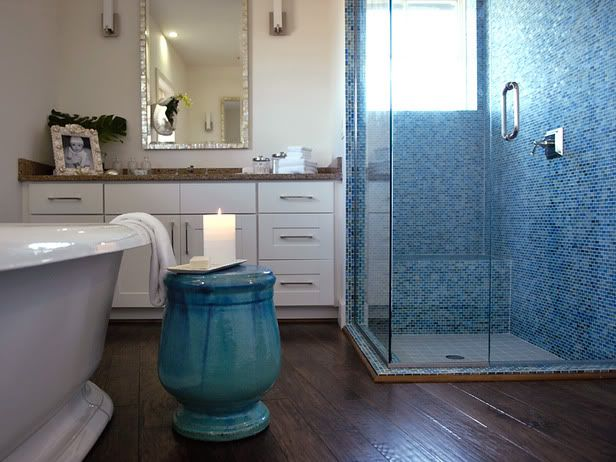 Beach Cottage Bathroom With Corner Glass Shower With Blue Mosaic