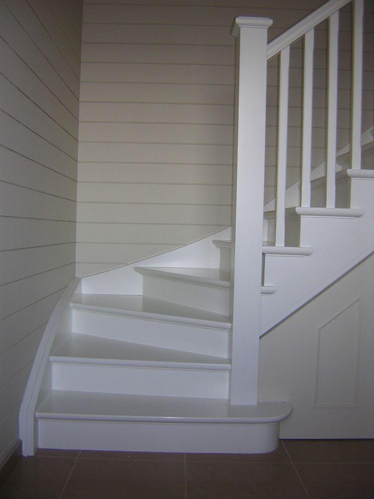 Trappen cottage trappen demunster waterven heule trap trappen houten trap betontrap - Hoe de trap houten renoveren ...