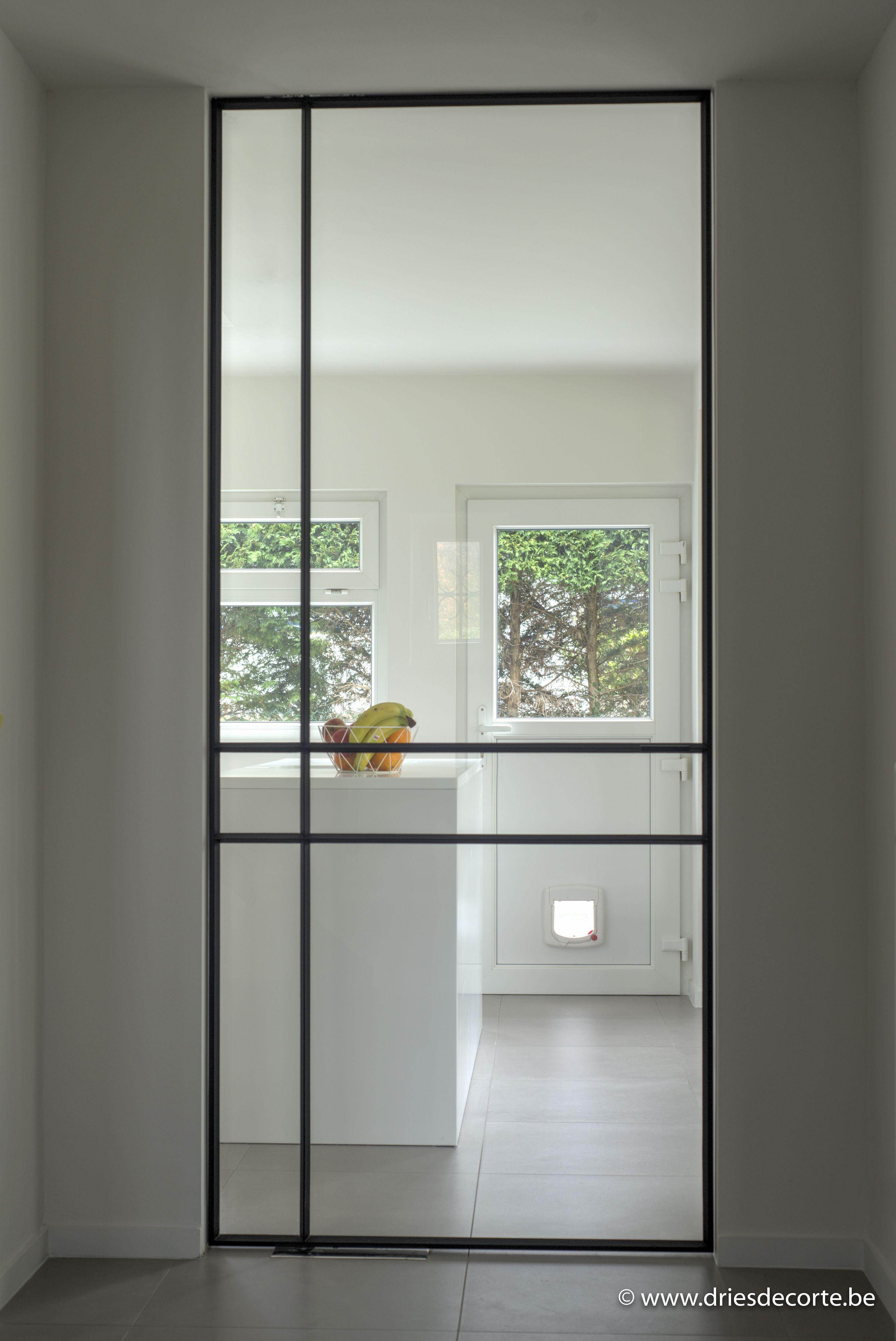 Smeedijzeren pivoterende deur INCEE te Sint-Idesbald #INCEE #smederij_incee