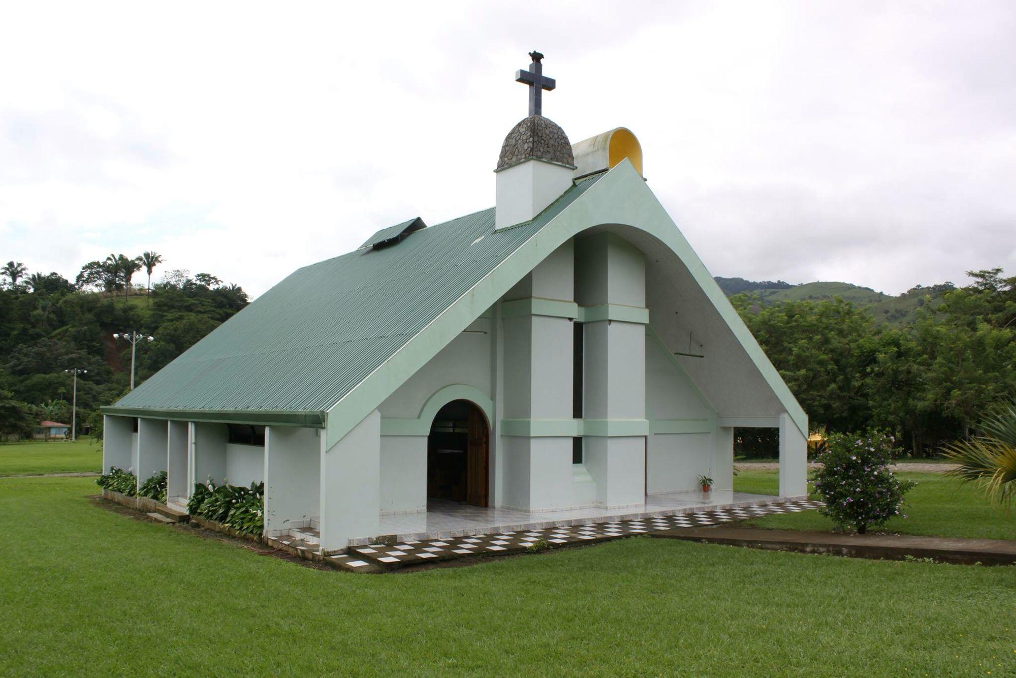 Resultado de imagen para iglesia catolica boruca