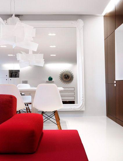 silla eames blanca y madera con mesa blanca