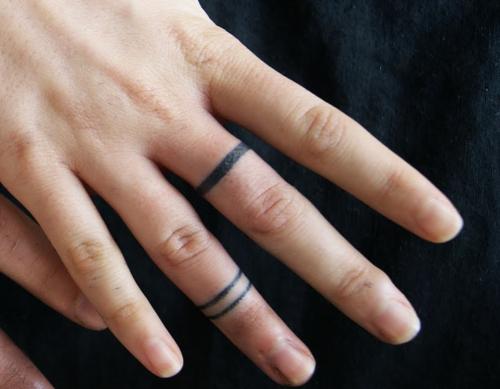 finger tattoo tumblr lines google search tattoos. Black Bedroom Furniture Sets. Home Design Ideas