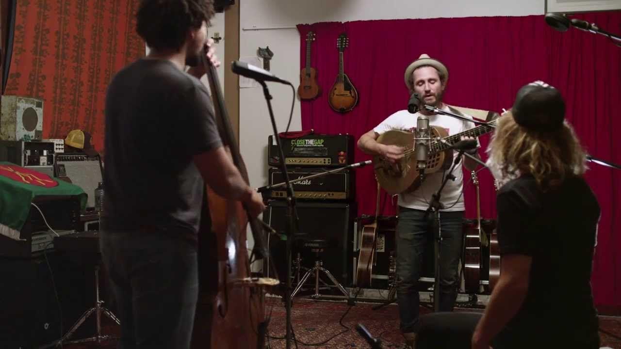 """John Butler Trio """"Livin' in City"""" Acoustic In-Studio"""
