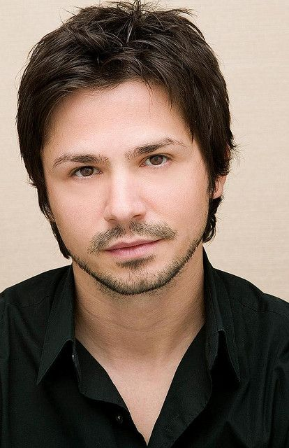 Freddy Rodriguez Wikipedia The Free Encyclopedia Round Face Men Round Face Haircuts Hairstyles For Round Faces