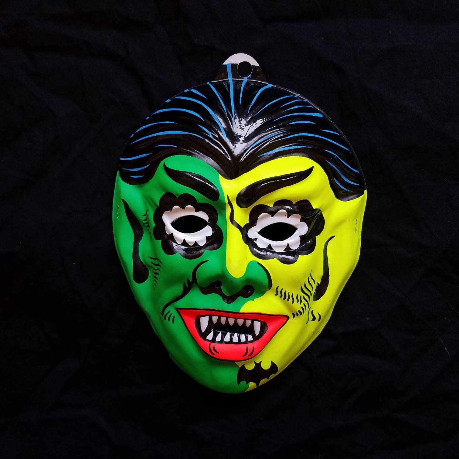 Vintage 1980s Kids Plastic Green Neon Vampire Dracula Bat