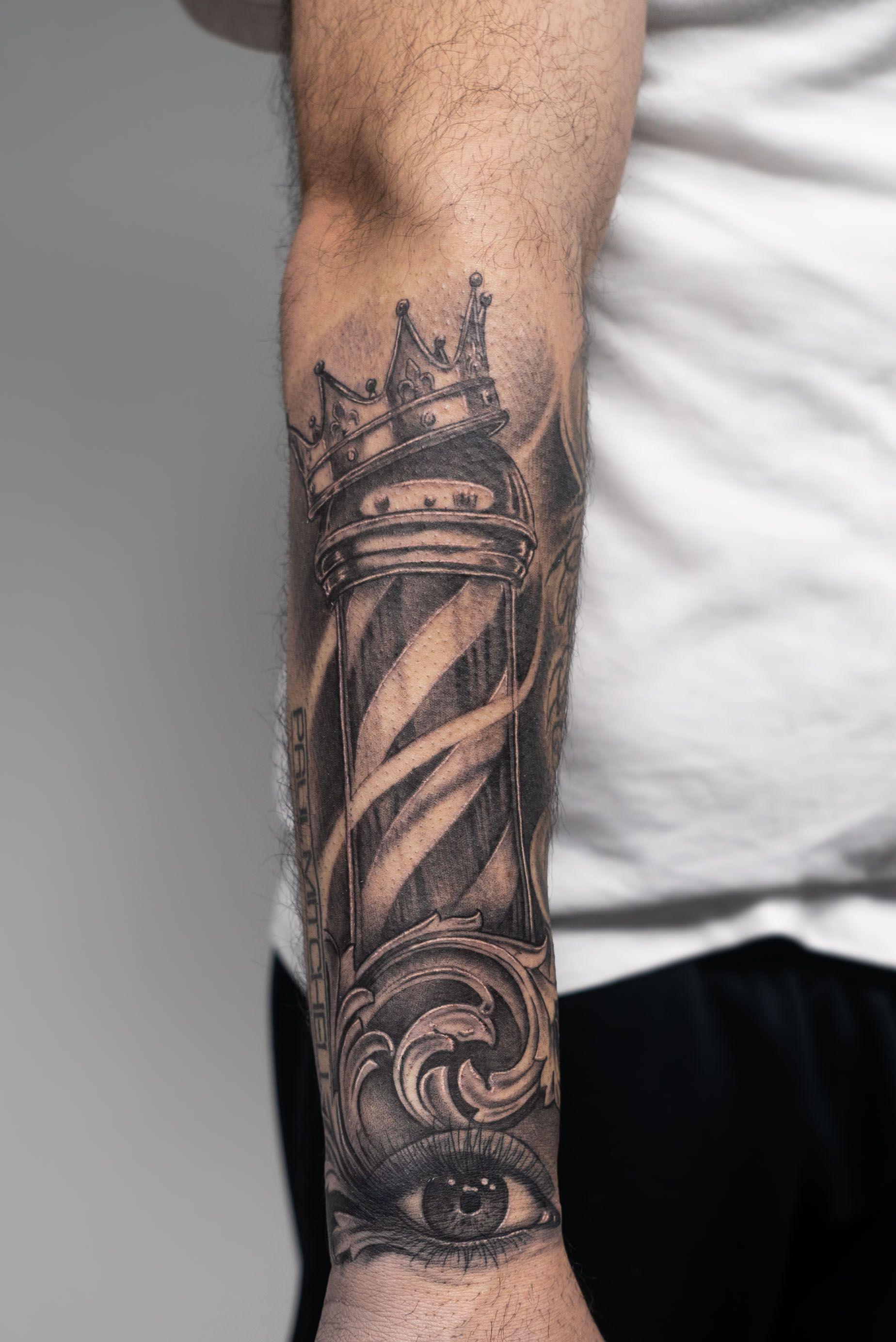 Barber Pole Tattoo : barber, tattoo, Barber, Crown, Displayed, Illustrative, Realistic, Black, Tattoos., #tattoos, #tattooart, #tatt…, Tattoo,, Tattoos,, Tattoo