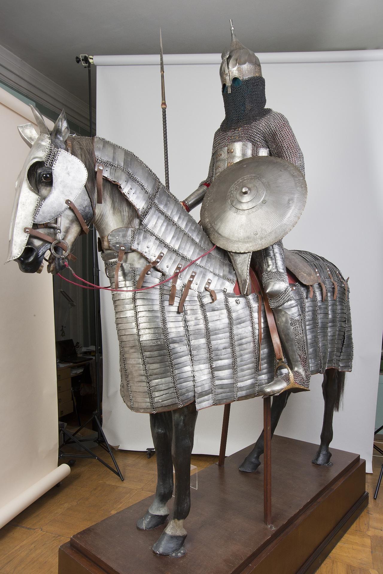 b7272ee40b5e51246584e2764db25557--medieval-horse-medieval-armor.jpg ...