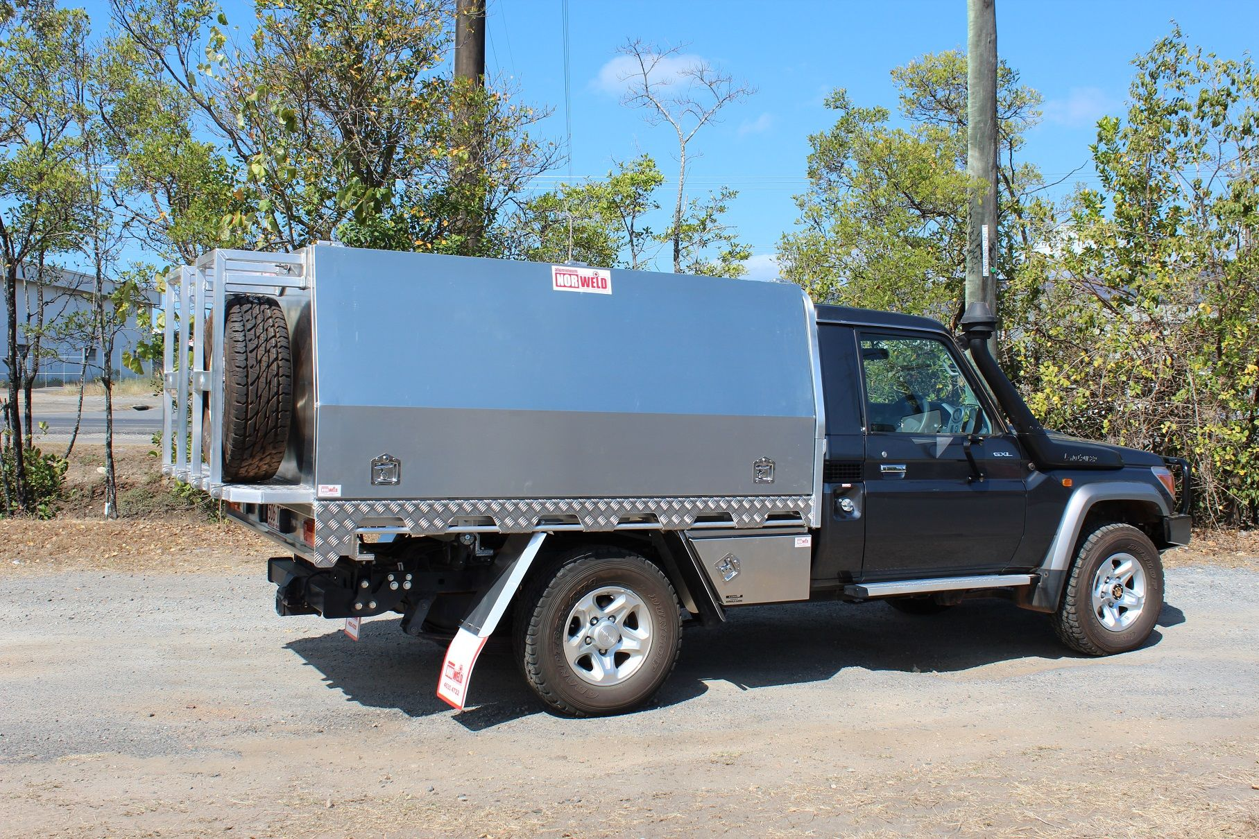Landcruiser Canopy and tray combo with swing up tyre mounts & Landcruiser Canopy and tray combo with swing up tyre mounts ...