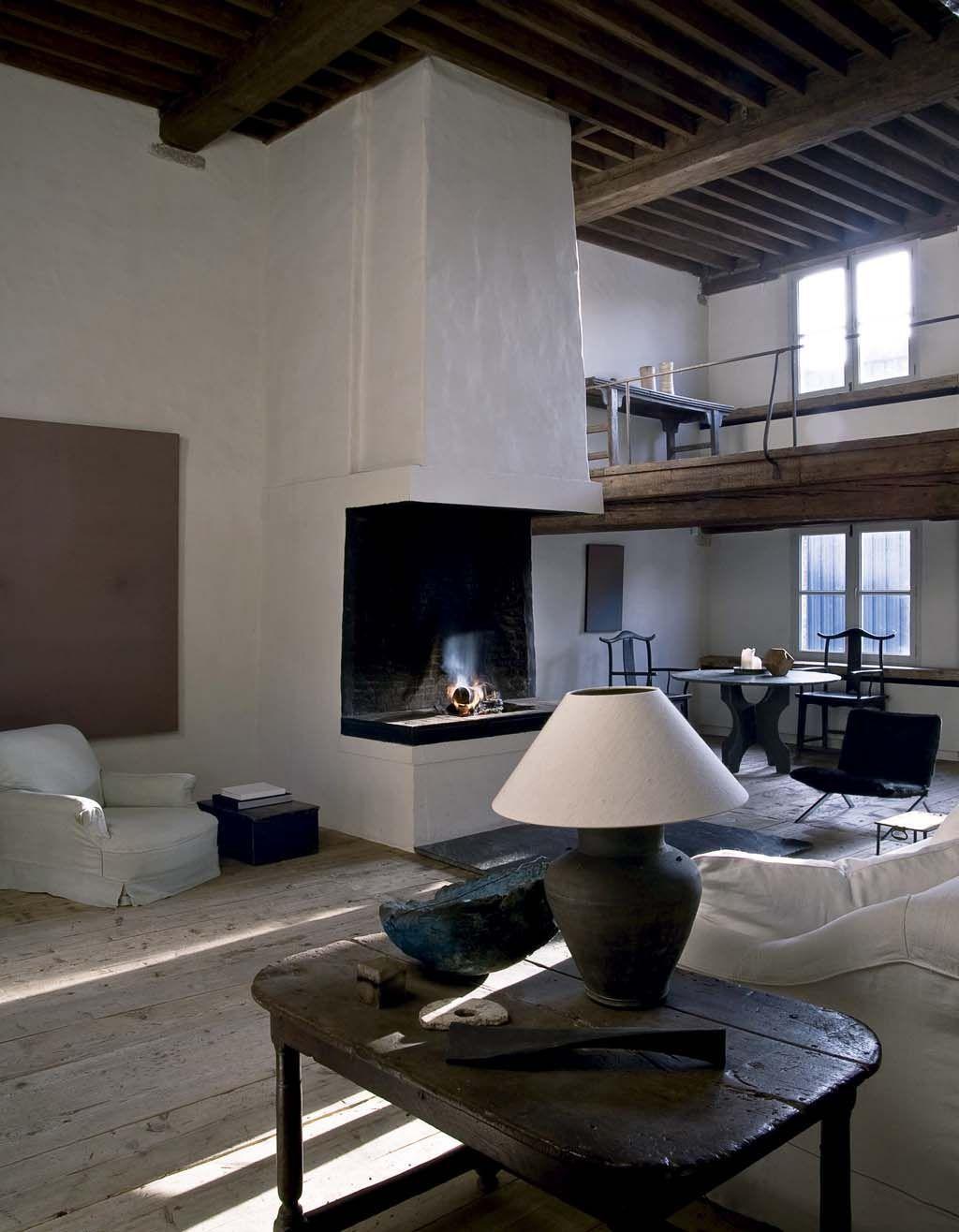 Dans Cette Vieille Maison De Ville Du0027Anvers Construite En 1567, Le  Galeriste Boris