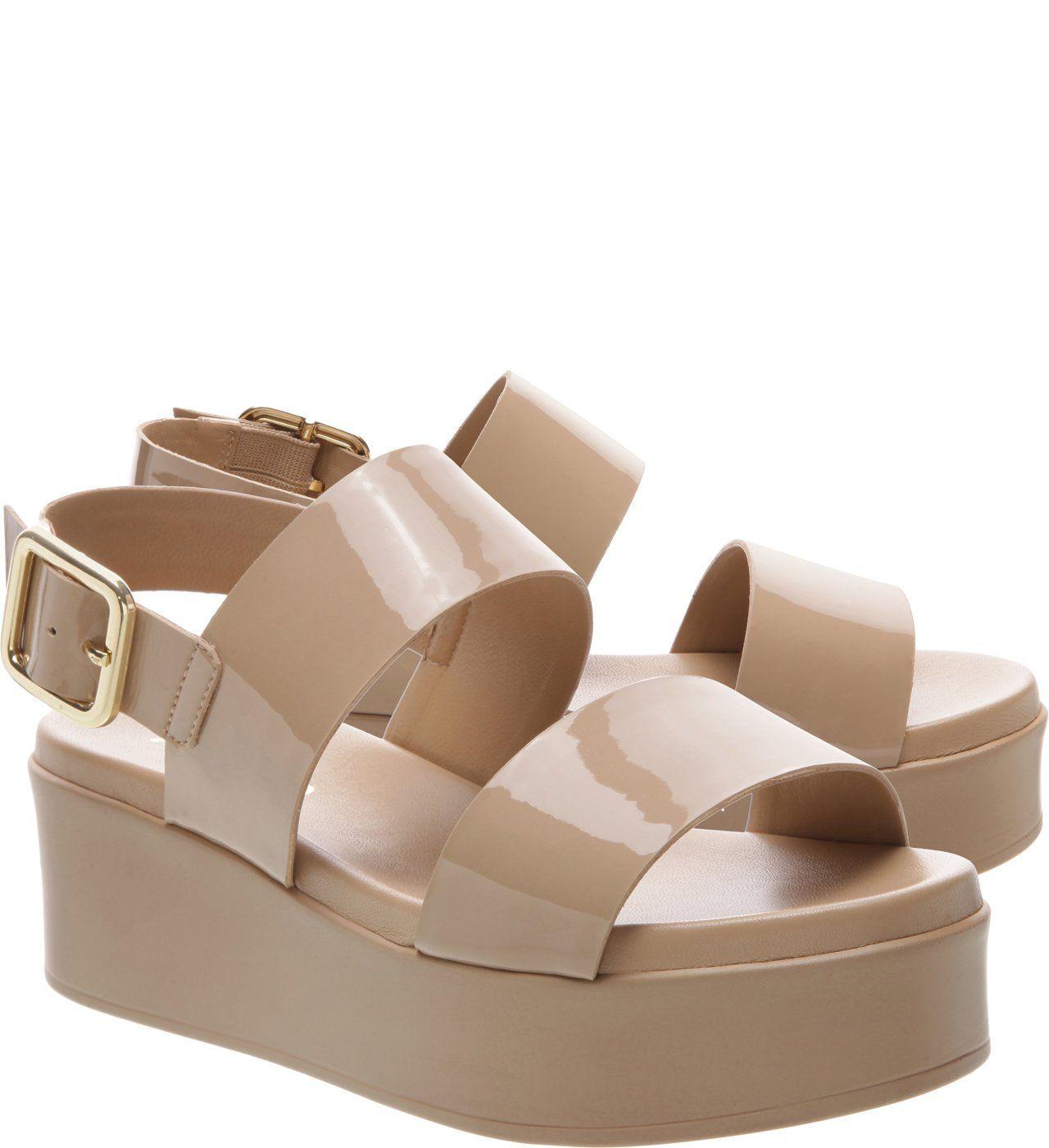 d73cce9a2 Sandália Verniz Plataforma Reto Médio Pale Beige | Arezzo | Shoes em ...