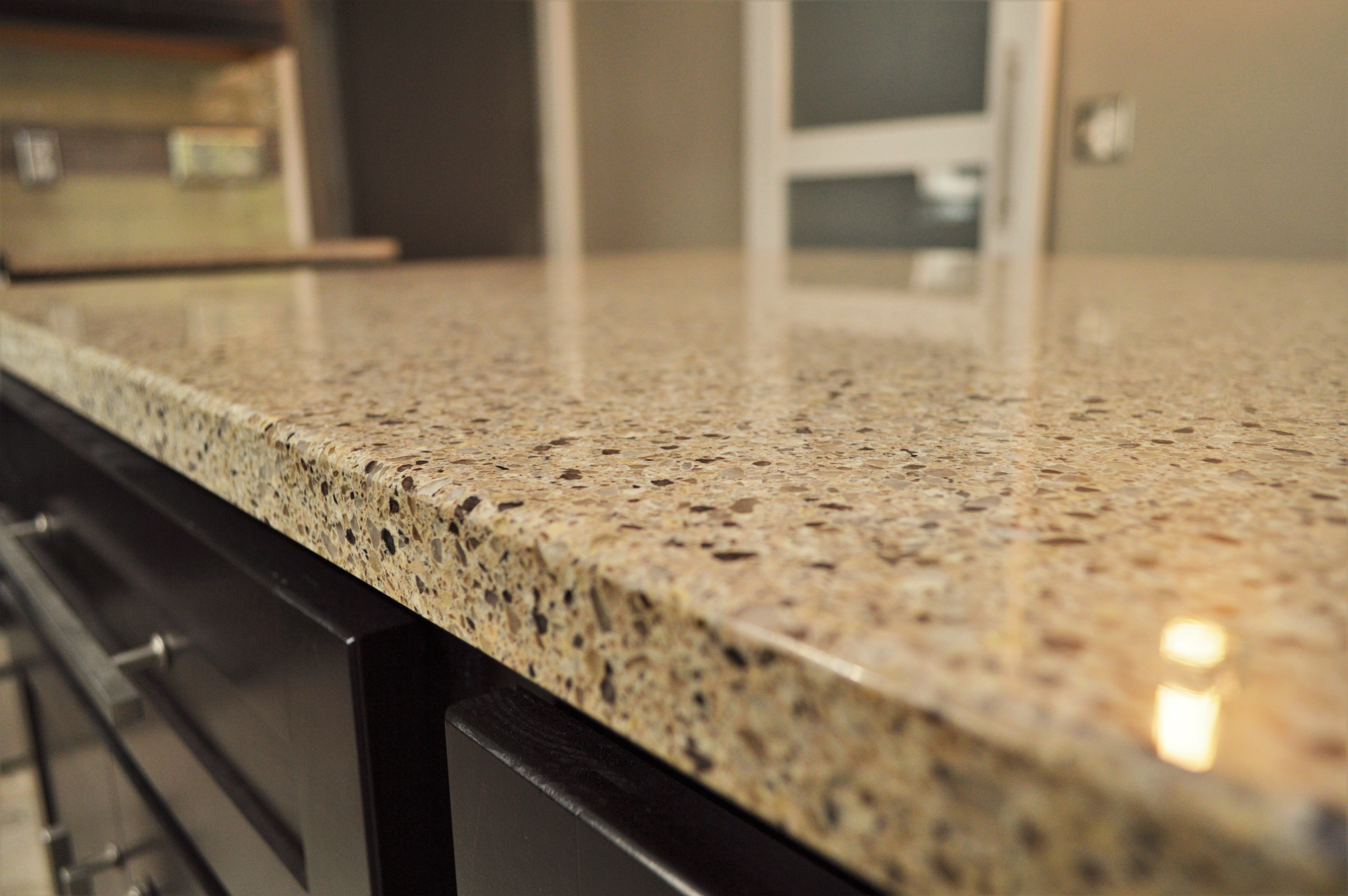 Bailey S Cabinets Viatera Quartz Counter Top Eased Edge Detail