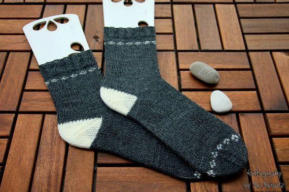 Handknit socks size EU 40-43, US 9-10, handknit in gray and white ...