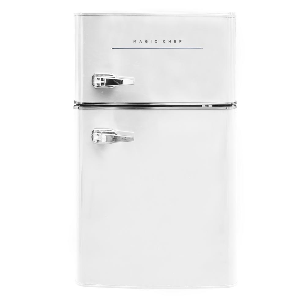 Magic Chef Retro 3 2 Cu Ft 2 Door Mini Fridge In White Hmcr320we Mini Fridge Magic Chef Refrigerator