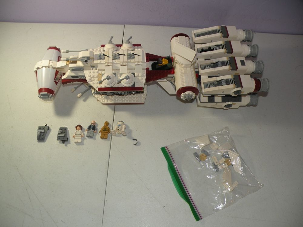 Lego Star Wars Tantive Iv 10198 99 Complete With 4 Minifigures Missing 6 Pieces Lego Star Wars Lego Star Mini Figures