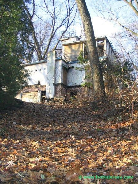 The Boat House Of Hawthorne Abandoned Houses Abandoned Mansions