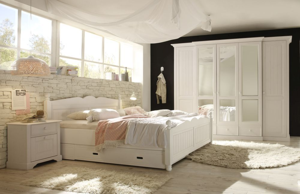 romantisches bettgestell im bauernlook true romance. Black Bedroom Furniture Sets. Home Design Ideas