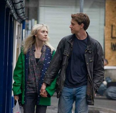 How I live now George Mackay Saoirse Ronan